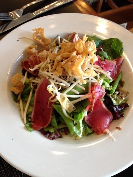 ヘルシーなAhi Salad