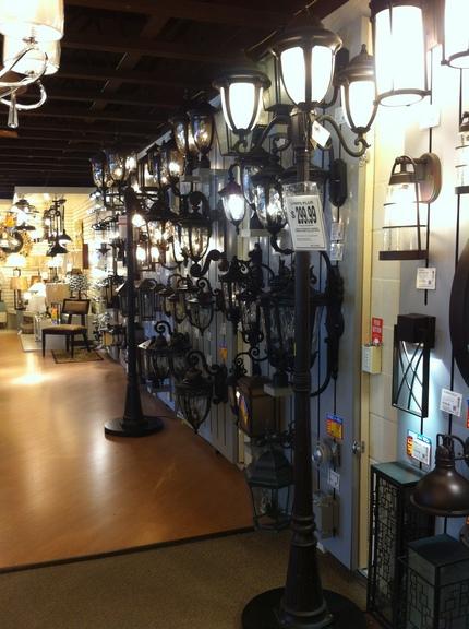 サンディエゴ;Lamps Pl...