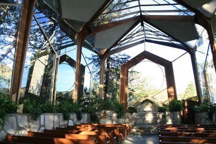 ガラスの教会の中