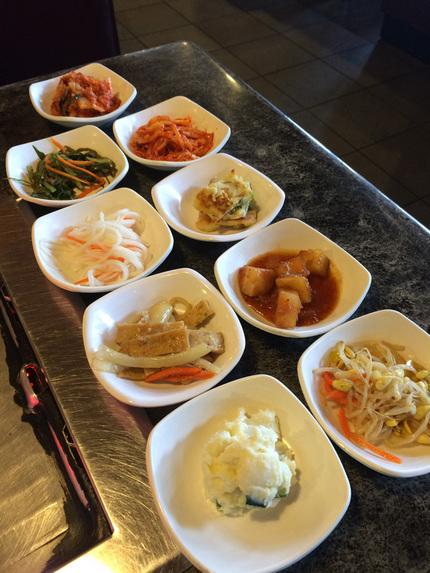 韓国レストラン特有のサイドディ...