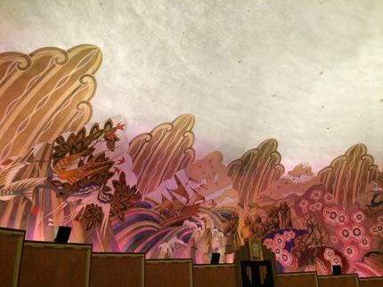 シアターの内壁に描かれたアート