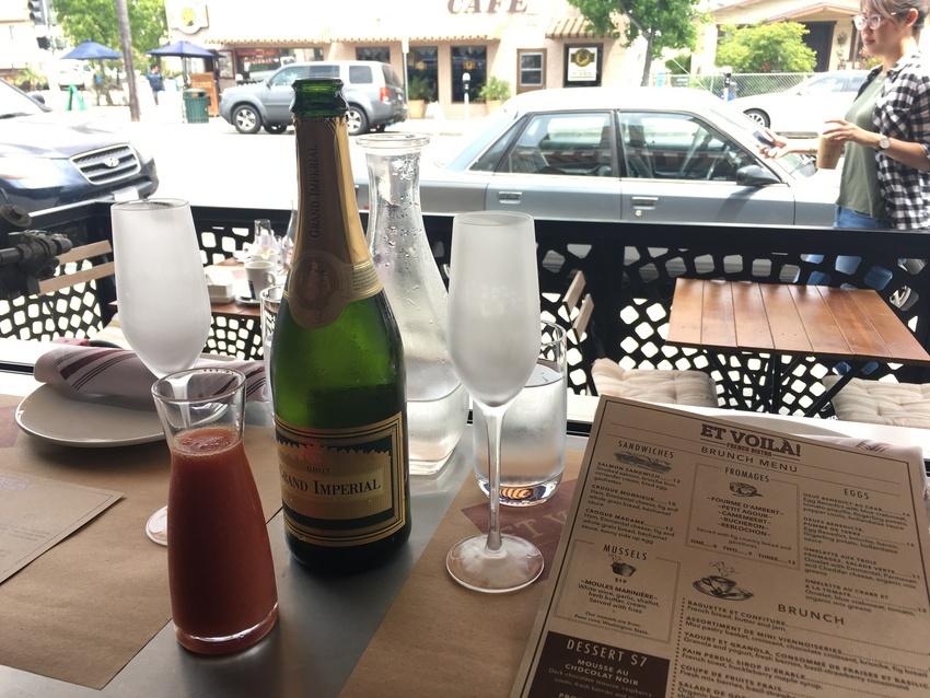 シャンパン、グアバジュース