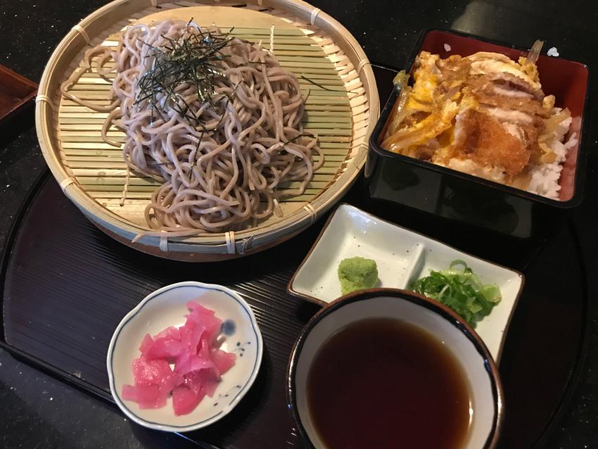 ランチスペシャル:ざる蕎麦+カ...
