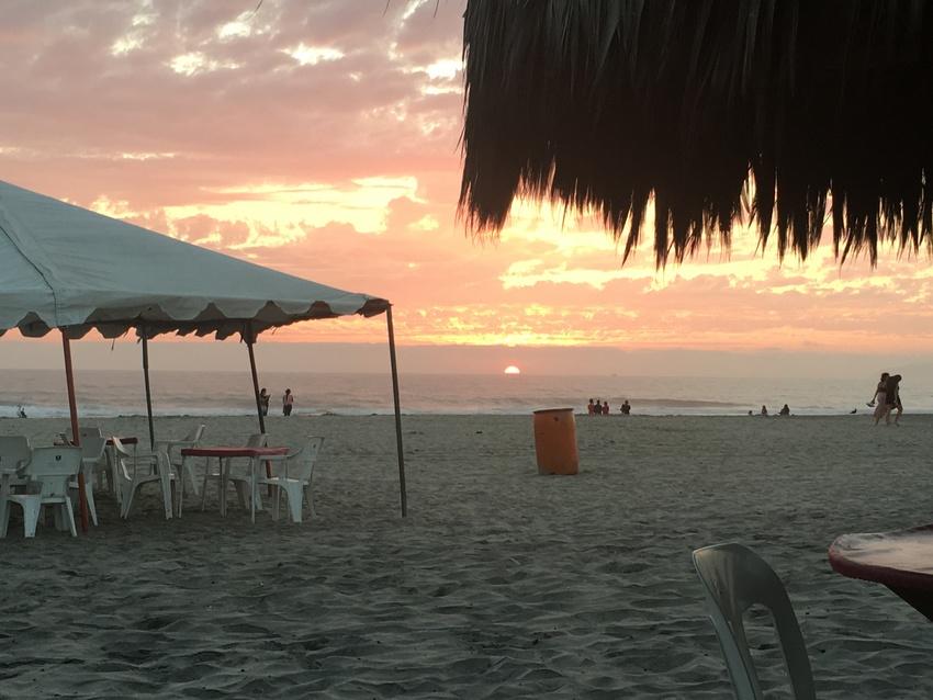 夕方にはビーチから夕陽が見えま...