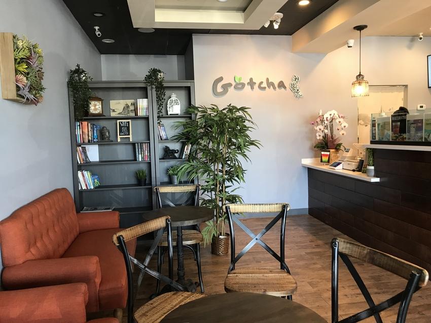 オシャレな雰囲気の小さなカフェ