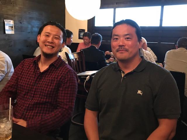 左:共同経営者のOjimaさん...