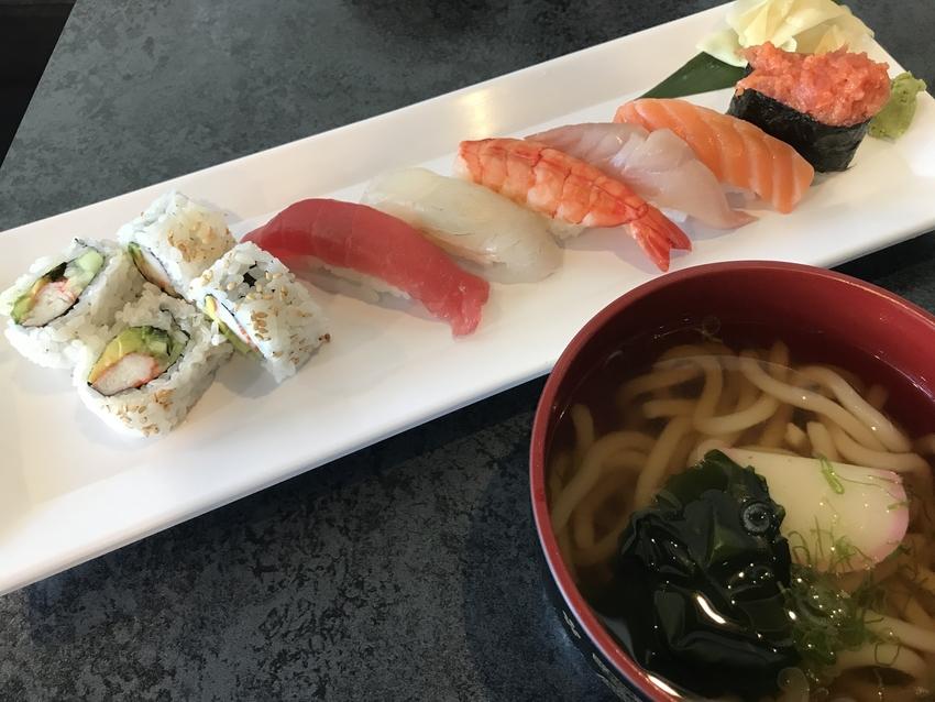 寿司+ミニうどんセット