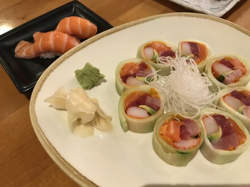 Ototo Rollとサーモン...
