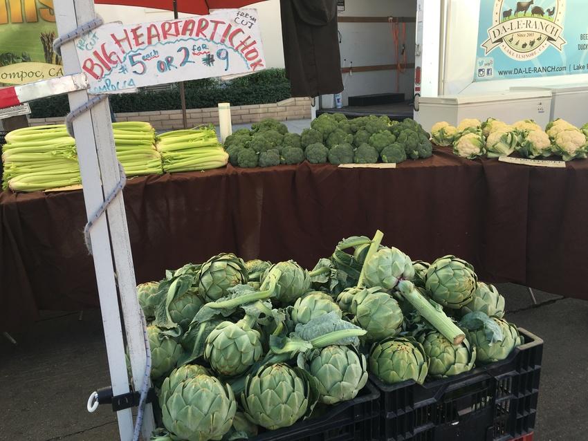 新鮮野菜も売っていました