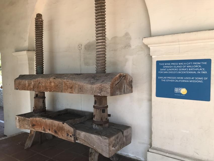 聖Junípero Serra...