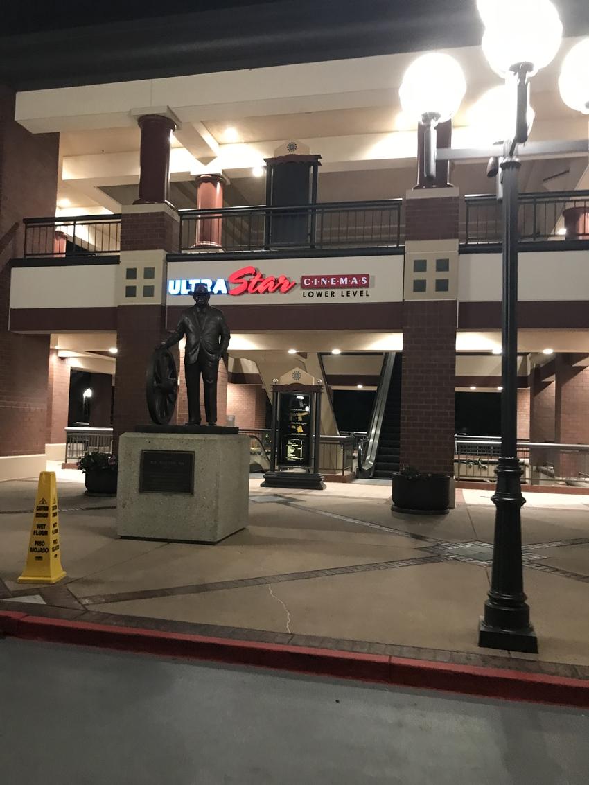 駐車場からの入り口