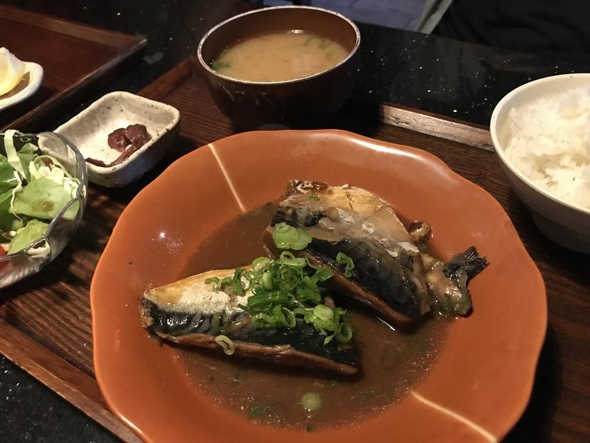 ランチスペシャル:鯖の味噌煮