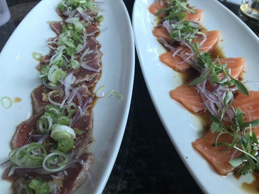 Beef Tataki(左)と...