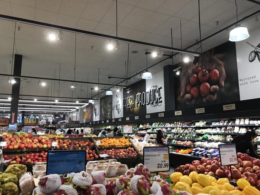 野菜・フルーツは種類が豊富で、...