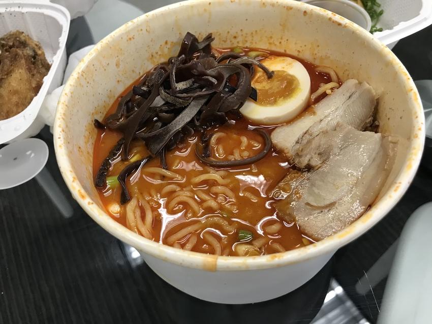 麺をスープでほぐして完成!