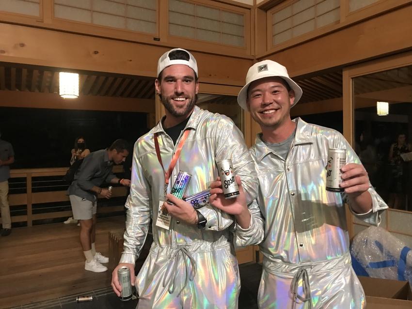 日本酒×ソーダを販売するSoS...