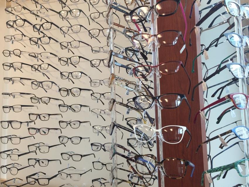 メガネ販売と眼科