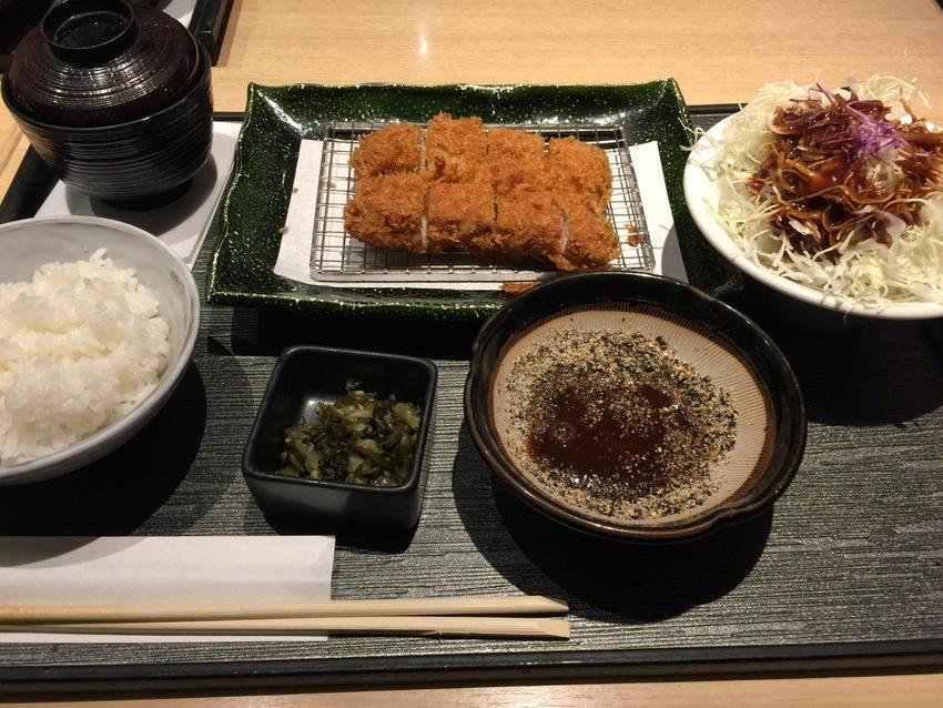 Tonkatsu とんかつ