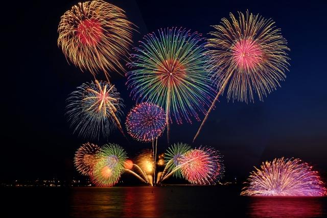 花火は日本の夏の風物詩です。