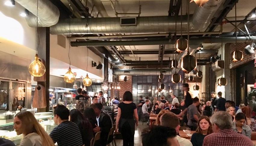 ロサンゼルスで人気のレストラン...
