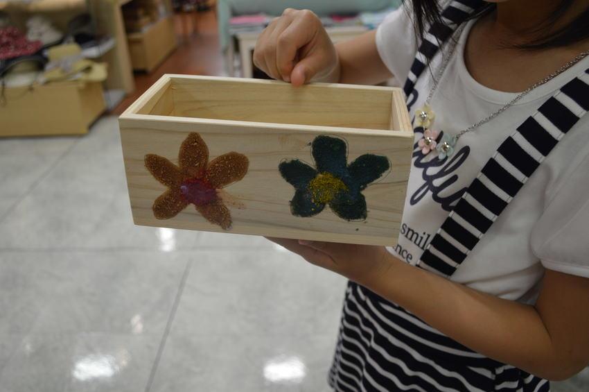 カワイイ花柄のウッドボックス