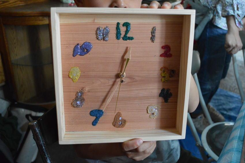 箱型の珍しい時計です。枠がある...