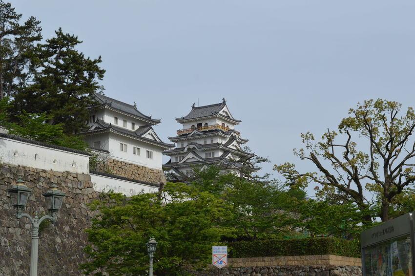 どっしりと構える福山城でした!
