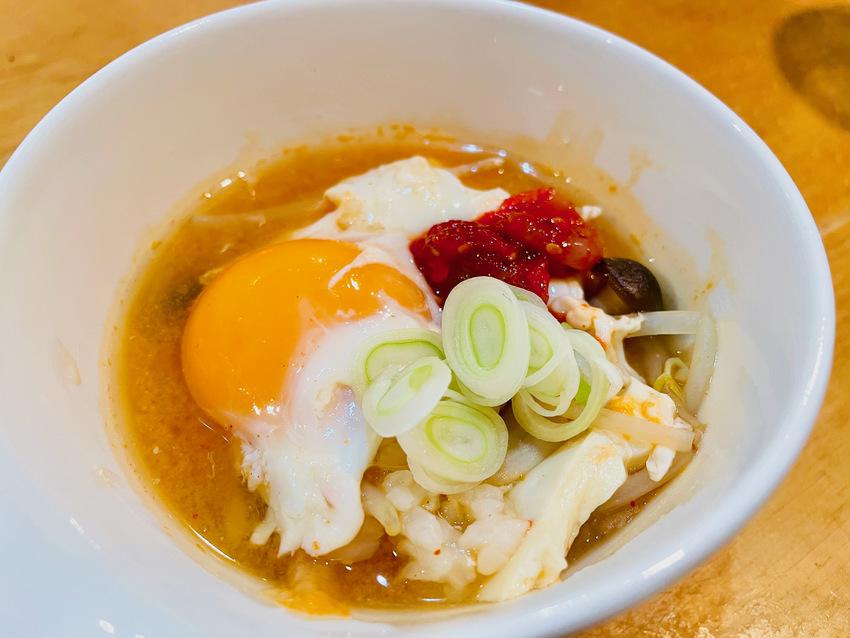 韓国風雑炊 豆腐、もやし、きの...