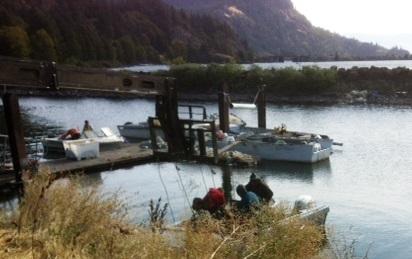 Native Fishermen arriving at t...