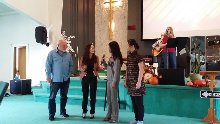 先週は洗礼式がありました。中国...