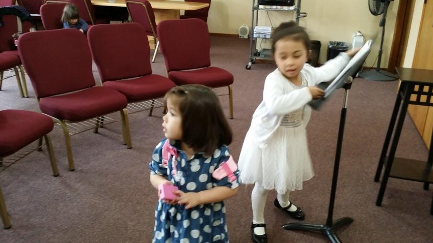 先週の礼拝後、女子は、いつも忙...