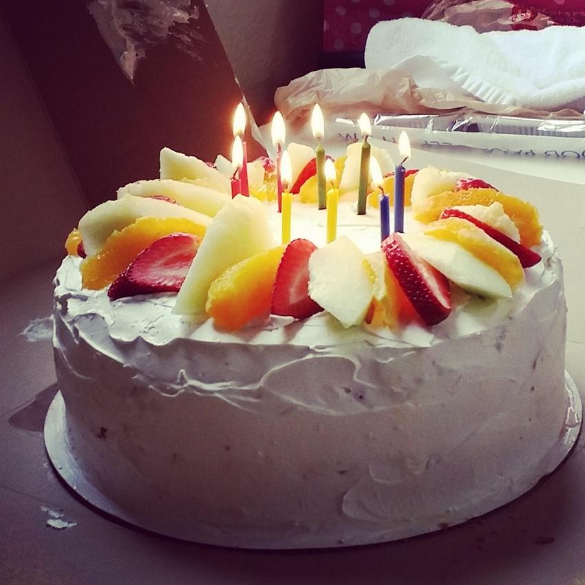 ゴージャスな誕生日ケーキです。...