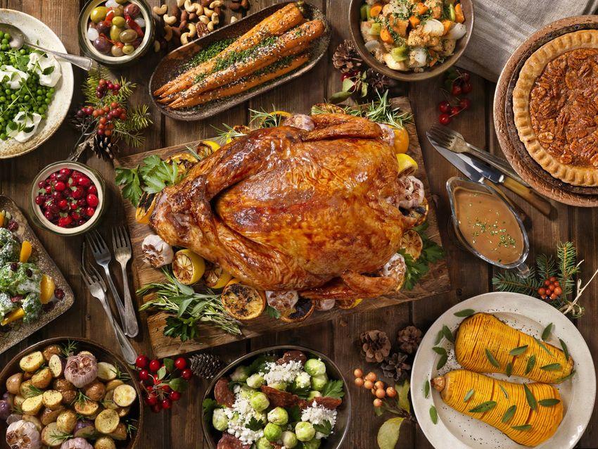 典型的な、感謝祭の夕食はこんな...